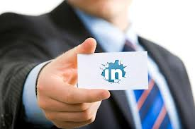 Holding-LinkedIn-business-card